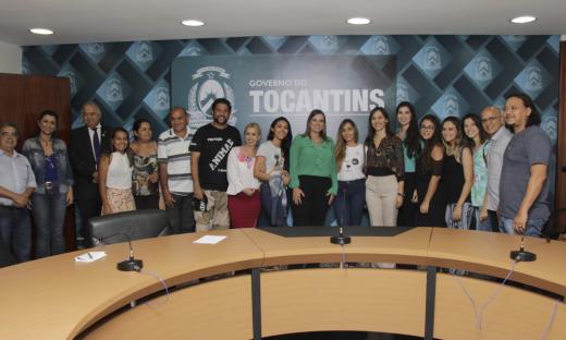 Cerimônia de assinatura de criação do Pró-animais, em novembro de 2017, contou com a presença de representantes dos órgãos que terão representatividade no colegiado
