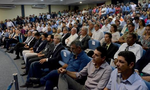 Evento contou com a presença de prefeitos, vereadores e outras autoridades de todo o Estado