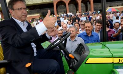 Os 94 tratores entregues nesta manhã são frutos dos primeiros investimentos do repasse de R$ 14.625 milhões do Mapa - Tharson Lopes/ Governo do Tocantins
