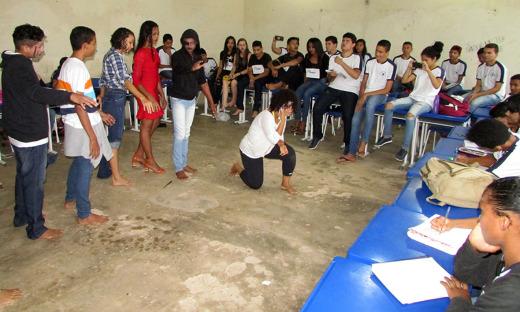 Alunos da Escola Cristo Rei interpretam Gil Vicente