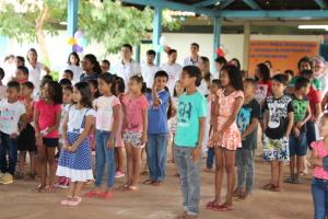 Alunos de escola municipal participam de projeto realizado pela PM e Universitários.JPG