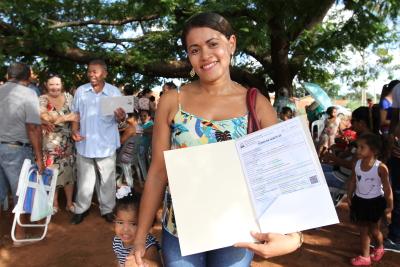 Edilene Santos de posse do seu Habite-se disse que agora realizará o sonho de ter uma cozinha ampliada