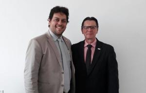 Colemar Câmara (presidente Jucetins) e Osmar Defante (representaten Fecomércio).jpeg