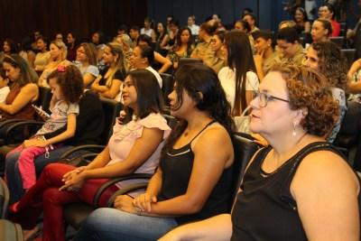 Policiais Militares femininas e funcionárias civis participam da comemoração da PM do Dia das mães.JPG