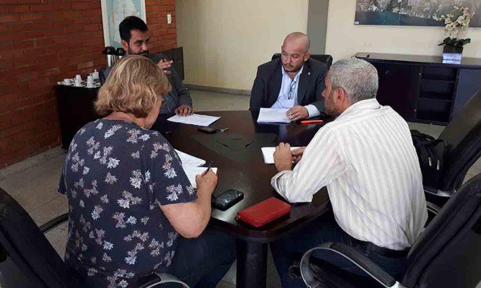 Equipe da Superintendência de Desenvolvimento Regional, Urbano e Habitação define cronograma de obras com o Banco Paulista