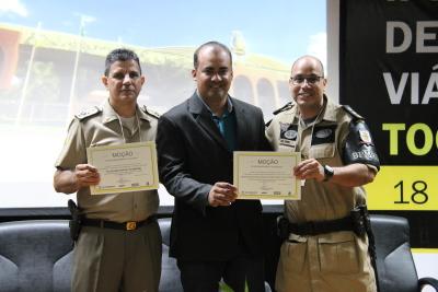 Durante o evento foram entregues Moções de Agradecimento a várias instituições que trabalham em prol da segurança no trânsito, no Tocantins.