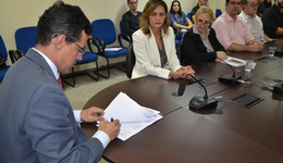 Estado assinou termo de cooperação para pesquisas de produtos químicos agrícolas e sua interferência na saúde e meio ambiente