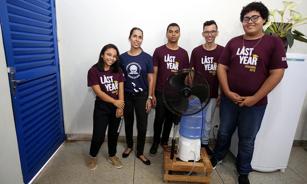e11fa02e5b Alunos Maria Gabriela, professora Juliana, Eduardo Monteiro, José Alberto e  Luiz Felipe. Elias Oliveira/Governo do Tocantins