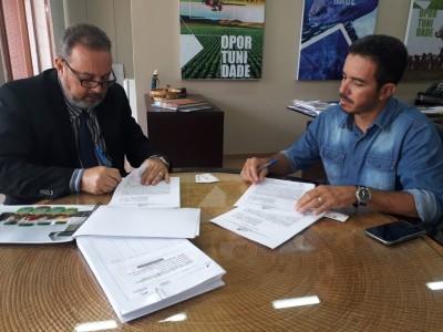Assinatura do contrato com Rezende Camilo (Ferrotec)