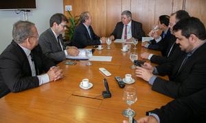 Em Brasília, Carlesse buscou a liberação de recursos para projetos em andamento e a viabilização de obras já previstas, como hospitais, pontes, pavimentação; e recursos para a Saúde e Infraestrutura do Governo