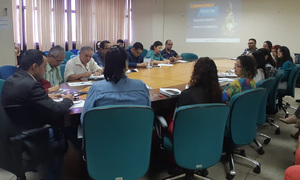 Durante a reunião, foram discutidos os pontos principais do currículo da educação infantil e do ensino fundamental