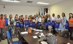 Entrega de kits para hospitais durante reunião de diretores