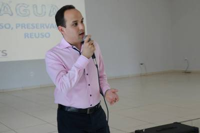 Davi Junior, superintendente de saneamento da ATS, iniciou o ciclo de palestras