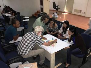 Reunidos em grupo, os participantes da oficina apresentaram propostas para o Plano de Manejo da APA