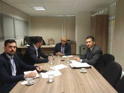 Secretário levou ao diretor executivo, Josélio Sousa, necessidade de prorrogação de prazos para utilização de recursos.