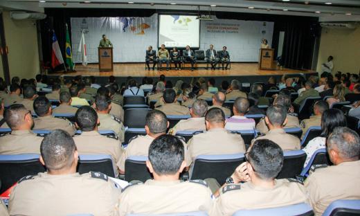Objetivo é debater sobre práticas que possam aproximar as forças de segurança da população e trocar experiências exitosas
