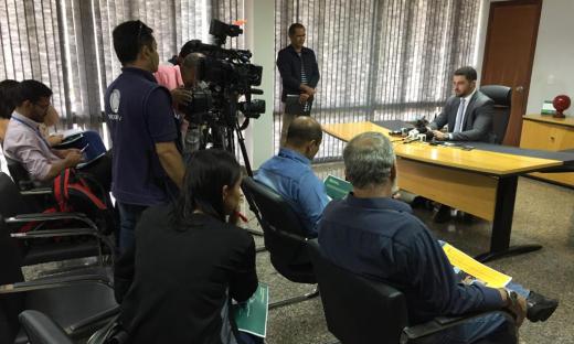 Heber Fidelis recebeu jornalistas em uma coletiva de imprensa na tarde desta quinta-feira, 08