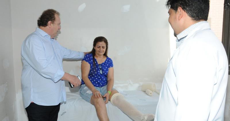 Mauro Carlesse conversou com pacientes e constatou as melhorias já alcançadas