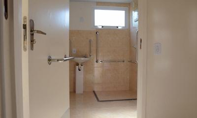 Apartamentos que tiveram a destinação para pessoas com necessidades especiais receberam adaptações