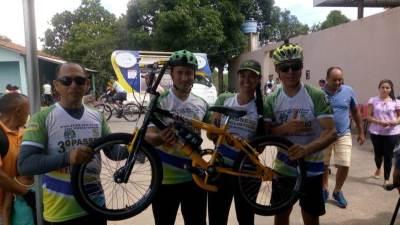 A vencedora ganhou uma bicicleta.