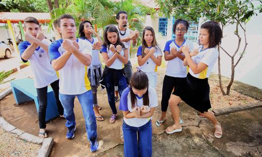 Por meio da dança, alunos aprendem valores para a vida