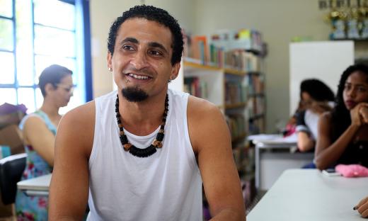 Professor Luiz Felipe Souza, criador do grupo de dança