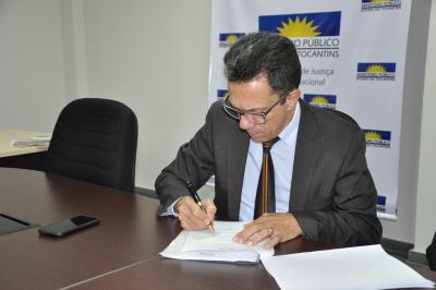 Termo de ajustamento de conduta propõe solução para o extravasamento de esgoto de Porto Nacional