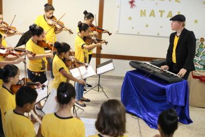 Apresentação do grupo da Orquestra Sinfônica do Colégio Vila União