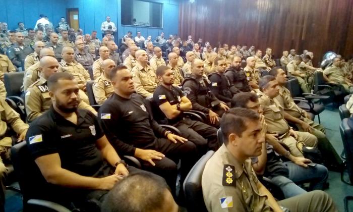 Agentes do Sistema Penitenciário Prisional durante aula inaugural na manhã desta quinta-feira