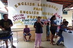 Professora Reijane Stempien representante da DRE de Porto Nacional, na Feira de Língua Inglesa fazendo as considerações sobre o evento._150x100.jpg