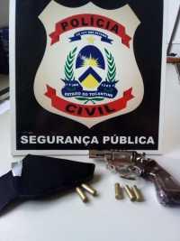 Arma de fogo apreendida pela Polícia CIvil na posse de técnico de enfermagem em Araguatins