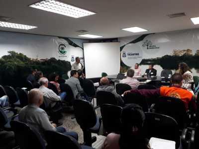 O coordenador da Câmara Técnica, Itamar Xavier, apresenta parecer que recomendou aprovação da criação do comitê