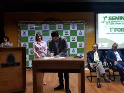 Assinatura do Termo de Cooperação com instituição parceira