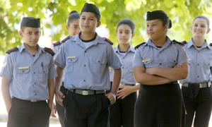Alunos do Colégio Militar em atividade escolar