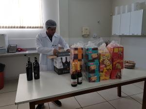 Os testes laboratoriais averiguaram a pesagem e a análise da quantidade descrita nas embalagens dos produtos