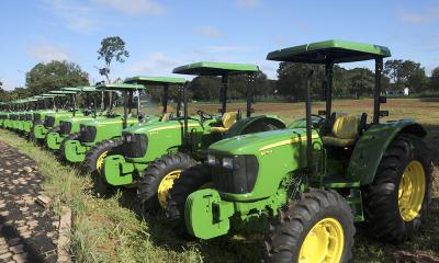 Programa Terra Forte contemplou 91 municípios com tratores, grades e carretas agrícolas anos