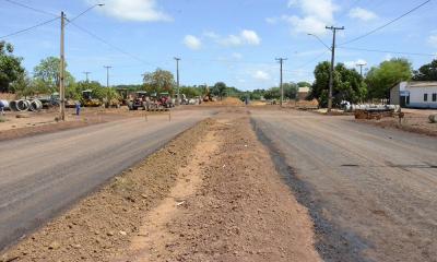 Obras de pavimentação e drenagem foram intensificadas no Jardim Taquari