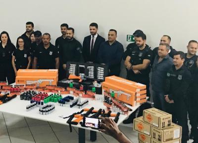 Seciju entrega equipamentos menos letais a unidades prisionais