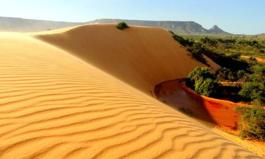 Para proteção, a permissão de entrada nas dunas tem início às 14 horas se encerra as 17h30, para assegurar o retorno de todos à base até as 18h30