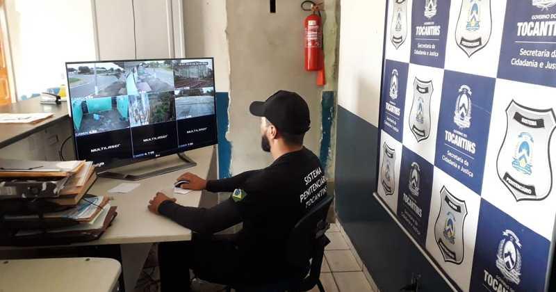 Agente realizando monitoramento