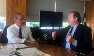 Em audiência com o ministro-chefe da Casa Civil, Onyx Lorenzoni, o governador Carlesse levou duas solicitações prioritárias para o Estado