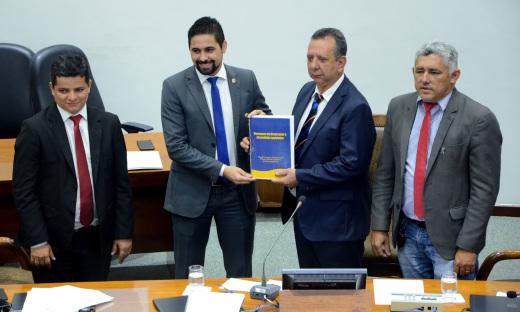 O secretário-chefe da Casa Civil, Rolf  encaminhou a  mensagem do governador Mauro Carlesse  aos parlamentares em função da abertura dos trabalhos legislativos