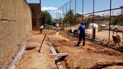 Trabalho de construção de celas na cadeia de Dianópolis