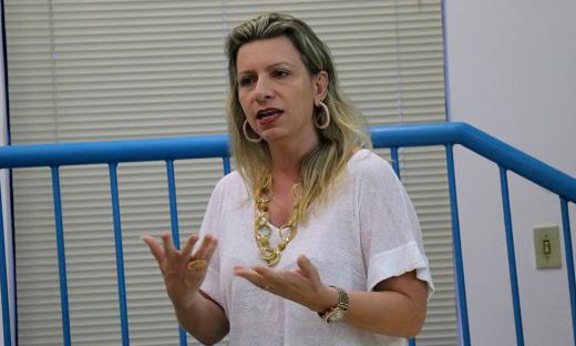 A engenheira Juliana Matos expôs importantes aspectos históricos e sociais do saneamento básico no País, e tendências para o futuro