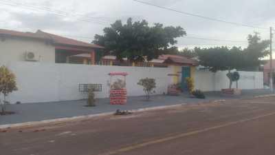Muro que receberá arte da pintura em grafite