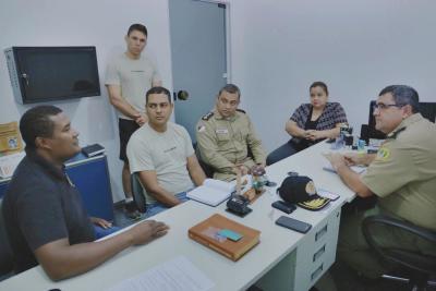 Comandante do 4º BPM em reunião sobre esquema de segurança no carnaval.