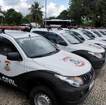 O governador Mauro Carlesse entregou, na tarde desta sexta-feira, 8, 15 caminhonetes Mitsubishi Triton caracterizadas