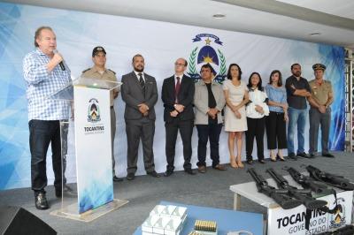 Governador Mauro Carlesse, discursa durante solenidade de entrega de viaturas e equipamentos à Polícia Civi