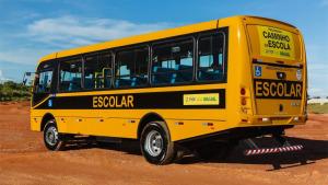 O tacógrafo é obrigatório para todos os veículos que  transportam mais de dez pessoas