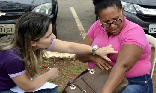Mobilização contou com a distribuição de material informativo e vários profissionais da saúde  disponíveis, além de um consultório móvel para diagnóstico